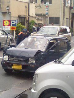 交通事故_f0124083_1926513.jpg