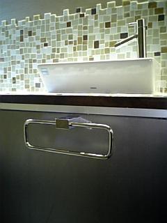 トイレ 手洗い器 カウンター_b0078597_20463450.jpg