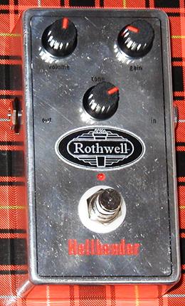 Britishな歪みの「Rothwell Hellbender」が入荷!_e0053731_193744.jpg