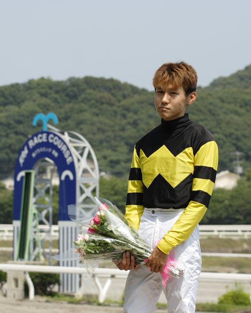 金沢競馬の田知弘久(たちひろひさ)騎手、登場!!_a0077663_18342990.jpg