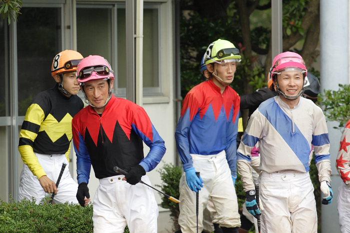 2007年6月30日(土) 高知競馬 10R 高知なすは日本一特別 パドック_a0077663_19242363.jpg