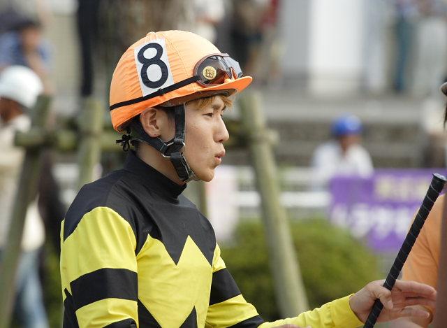 2007年6月30日(土) 高知競馬 10R 高知なすは日本一特別 パドック_a0077663_192444100.jpg