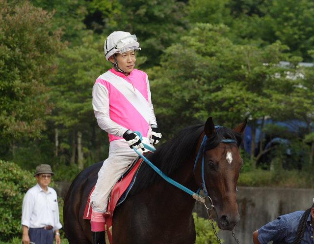2007年6月30日(土) 高知競馬 10R 高知なすは日本一特別 パドック_a0077663_19245522.jpg