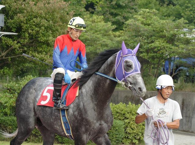 2007年6月30日(土) 高知競馬 10R 高知なすは日本一特別 パドック_a0077663_19252552.jpg