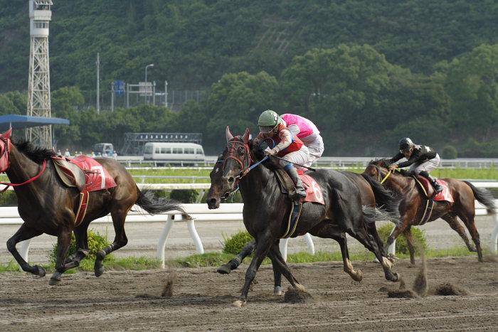 2007年6月30日(土) 高知競馬 10R 高知なすは日本一特別 レース_a0077663_19385291.jpg