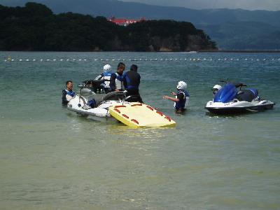海開きと訓練_a0077071_17593560.jpg