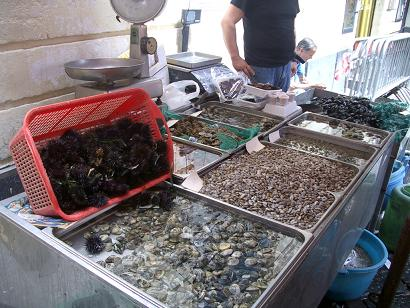 一周年記念!イタリアの市場その3 カターニャ魚介編_b0107003_18153113.jpg