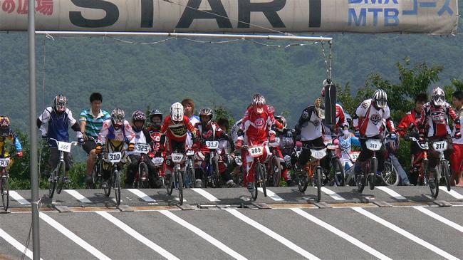 2007JBMXFジャパンシリーズ西日本選手権VOL4 Day1年齢別クラス予選の画像垂れ流しその2_b0065730_22465584.jpg