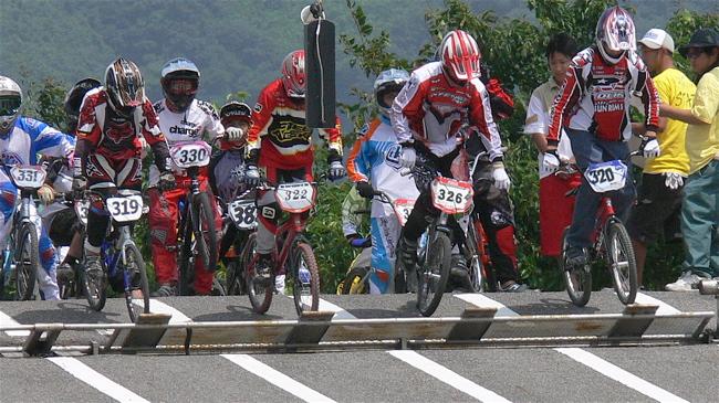 2007JBMXFジャパンシリーズ西日本選手権VOL4 Day1年齢別クラス予選の画像垂れ流しその2_b0065730_22481286.jpg