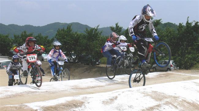 2007JBMXFジャパンシリーズ西日本選手権VOL4 Day1年齢別クラス予選の画像垂れ流しその2_b0065730_22532490.jpg