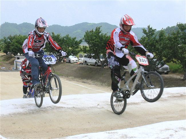 2007JBMXFジャパンシリーズ西日本選手権VOL4 Day1年齢別クラス予選の画像垂れ流しその2_b0065730_2256441.jpg