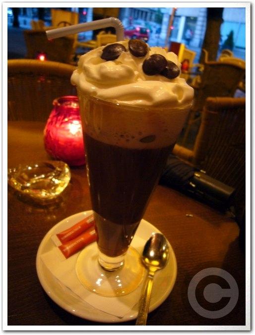 ■CAFE VIENNOIS(ウィーン風コーヒー)_a0014299_658934.jpg