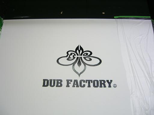 DUB FACTORY  BIG STEP店 の内壁_d0044357_234499.jpg