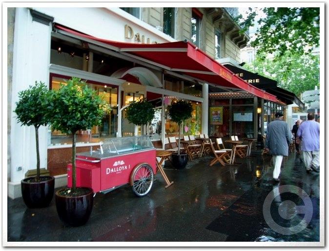 ■街角のスイーツ(パリ)_a0014299_62152.jpg