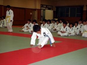 柔道スポーツ少年団昇級審査会_d0010630_915454.jpg