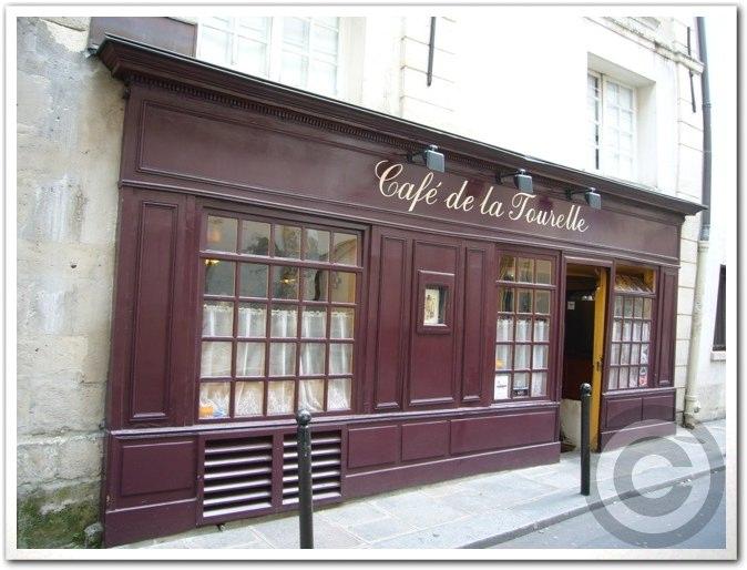 ■街角のキャフェ・レストランCAFE DE LA TOURELLE(サンミッシェル界隈)_a0014299_19271922.jpg