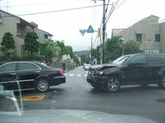 交通事故_b0054727_7362890.jpg