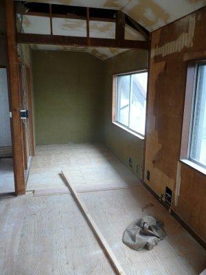 床・天井下地が出来つつあります(0707)_d0004728_18171365.jpg