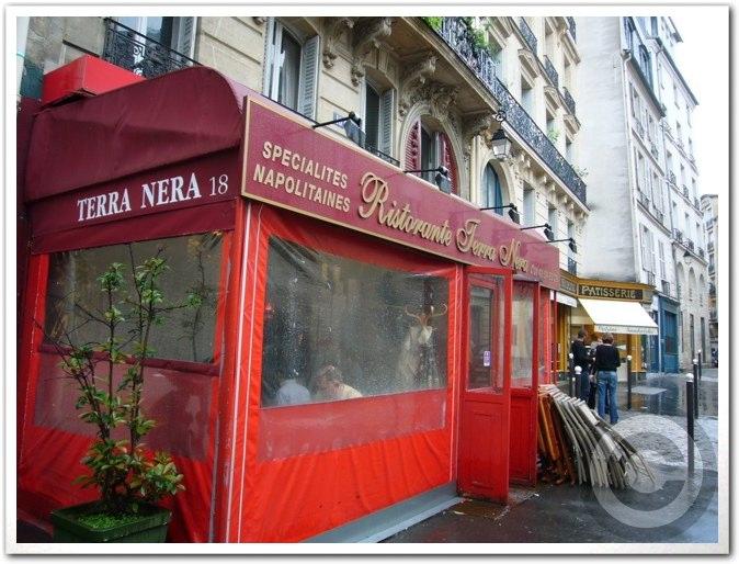 ■街角のナポリタンTERRA NERA(パリ)_a0014299_21112145.jpg