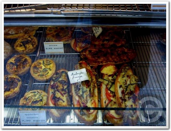 ■街角のパン屋(パリ)_a0014299_7163589.jpg