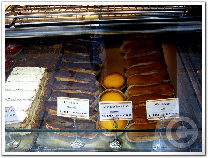 ■街角のパン屋(パリ)_a0014299_7165075.jpg