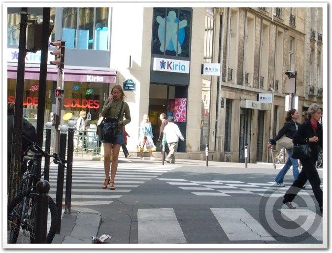 ■街角の人(パリ)_a0008105_19173730.jpg