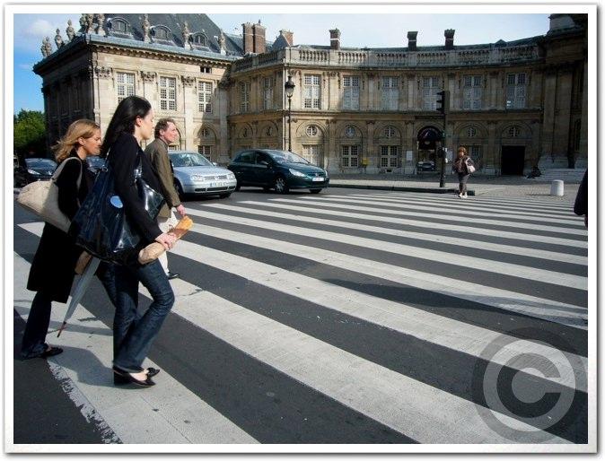 ■街角の人(パリ)_a0008105_19184252.jpg