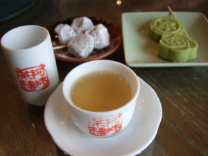 5月13日阿妹茶樓の凍頂ウーロン茶