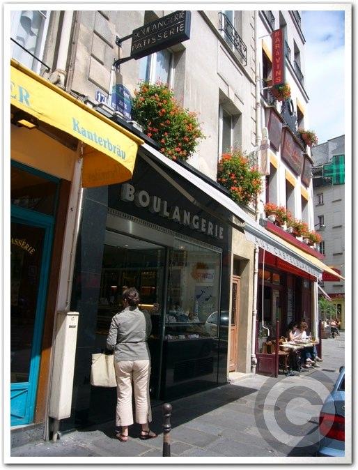 ■街角のスイーツ(パリ)_a0014299_6285670.jpg