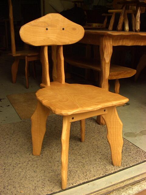 【セカンドハンド】変形椅子_e0072513_9245119.jpg