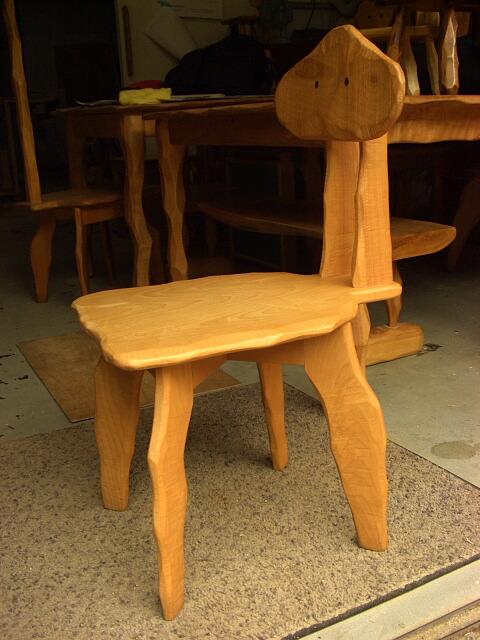 【セカンドハンド】変形椅子_e0072513_925335.jpg