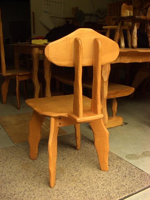 【セカンドハンド】変形椅子_e0072513_9255593.jpg