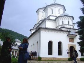 久々の修道院  ~ ティスマナ修道院  Mănăstirea Tismana ~ _c0042797_2329494.jpg