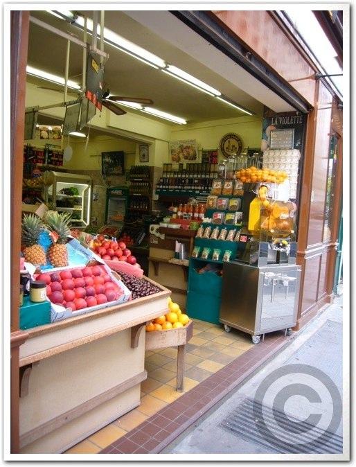 ■サンルイ島の果物屋(パリ)_a0014299_722636.jpg