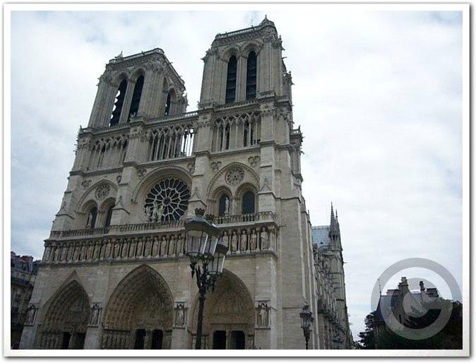 ■ノートルダムの鐘の音(パリ)_a0008105_1261611.jpg