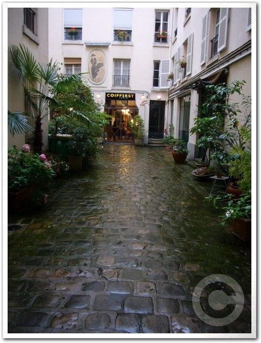 ■街角の美容室(パリ)_a0008105_19353547.jpg