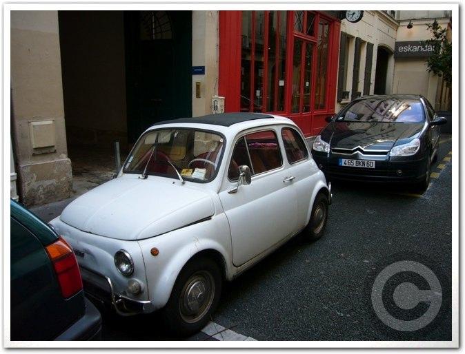 ■街角の車(パリ)_a0008105_19534222.jpg