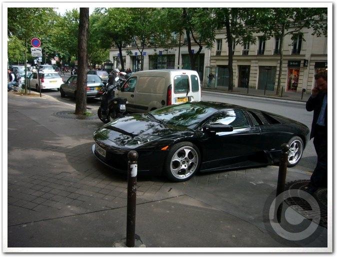 ■街角の車(パリ)_a0008105_19541780.jpg