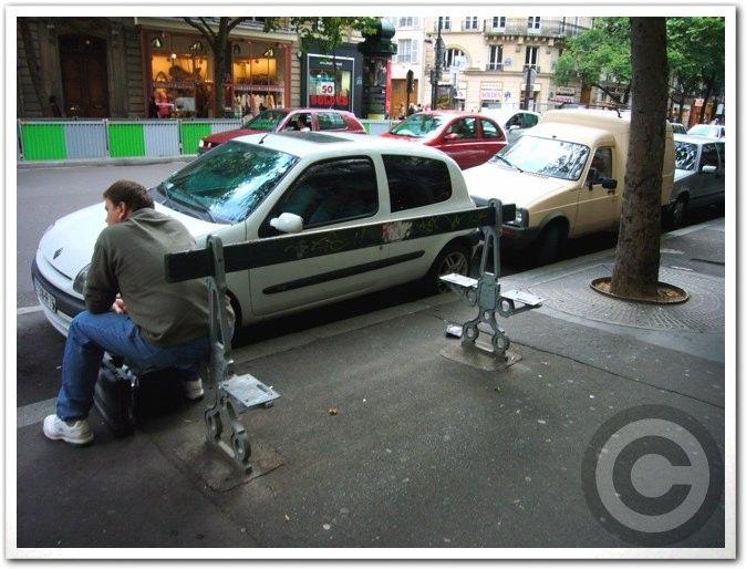 ■街角の人(パリ)_a0008105_2113463.jpg