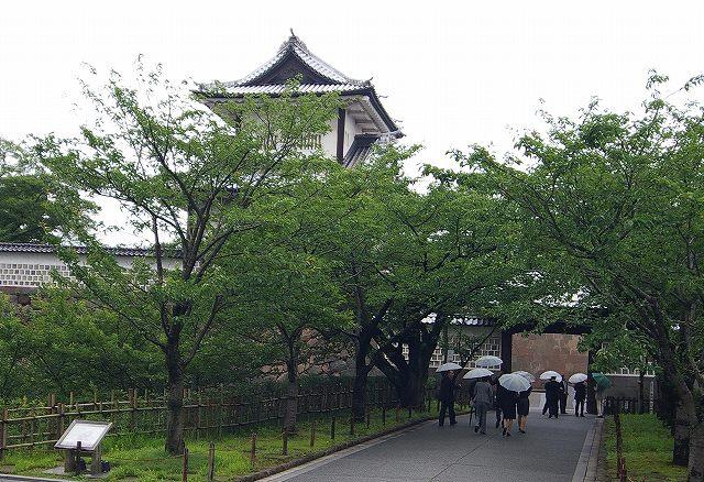 金沢城散策会_d0043136_2355471.jpg