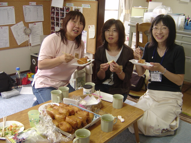 いなり寿司でブロック会_b0114789_1555688.jpg