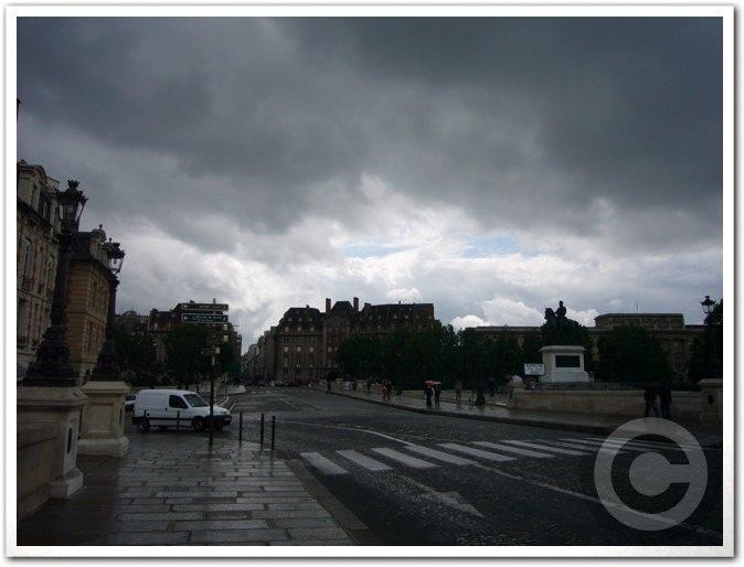■雨のポン・ヌフ(パリ)_a0008105_615891.jpg