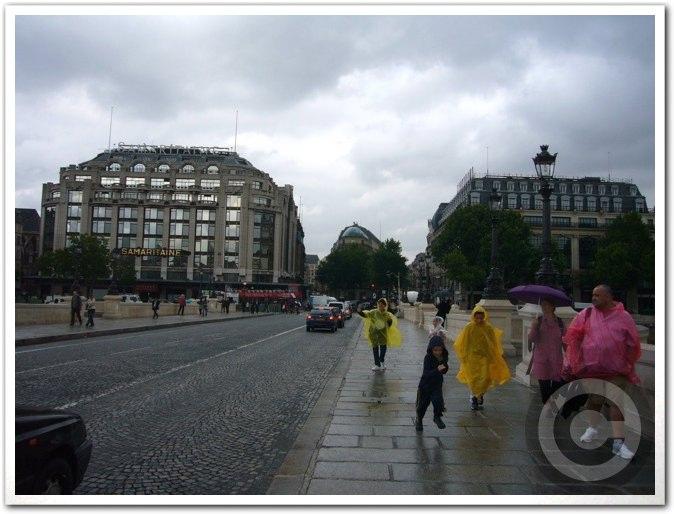 ■雨のポン・ヌフ(パリ)_a0008105_632510.jpg