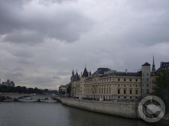 ■雨のポン・ヌフ(パリ)_a0008105_634273.jpg