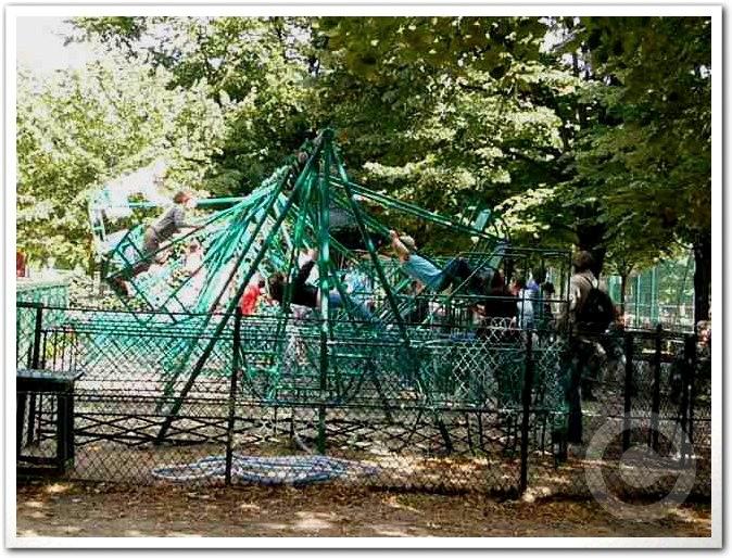 ■リュクサンブルグ公園の子供たち(パリ)_a0008105_7264341.jpg