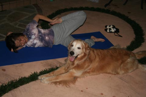 Doga: Yoga for Dogs ・・・まじで?!_c0057850_11442233.jpg