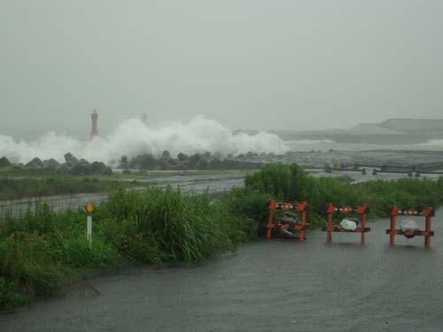 台風接近_f0141310_23241549.jpg