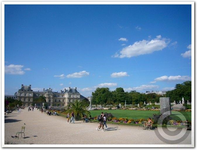 ■夏のリュクサンブルグ公園(パリ)_a0008105_8433123.jpg
