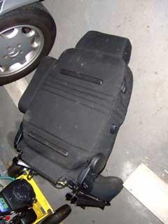 改造レカロ椅子を会社で使用_b0054727_23322985.jpg