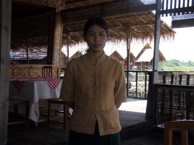 <インレー湖> ナムパンの水上レストラン_c0011649_8141944.jpg